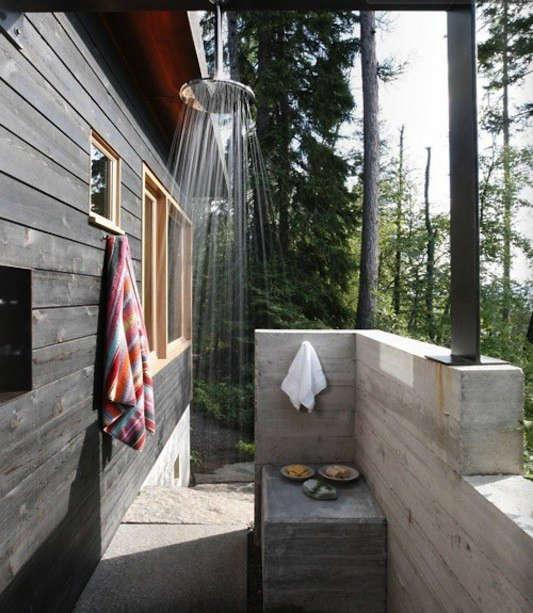 pure-green-magazine-outdoor-shower-issue-5-summer-2011-remodelista