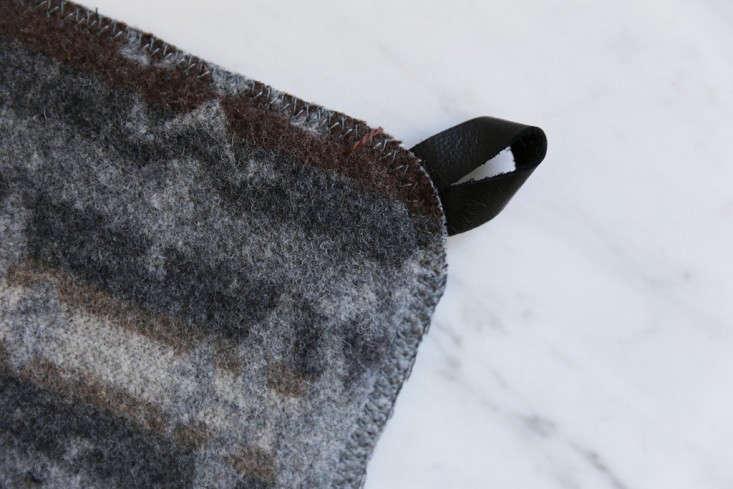 reclaimed-wool-potholder-1