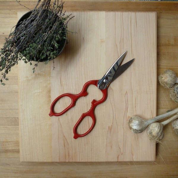 red-kitchen-scissors-germany-kiosk