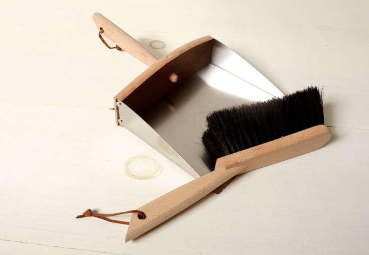 redecker-stainless-dustpan-remodelista-2