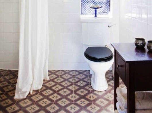 Design Sleuth The Black Toilet Seat Remodelista