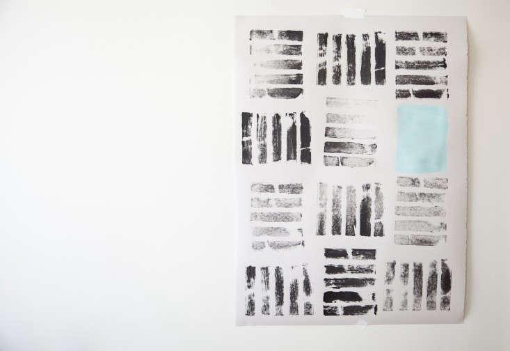 remodelista-diy-wall-art-block-prints-drying