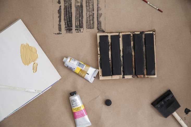 Diy wall art block prints on a budget remodelista for Wall painting utensils