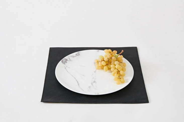 rth-saddle-leather-placemat-black