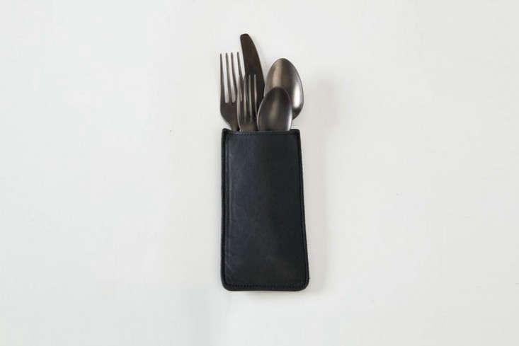 rth-saddle-leather-silverware-holder-black