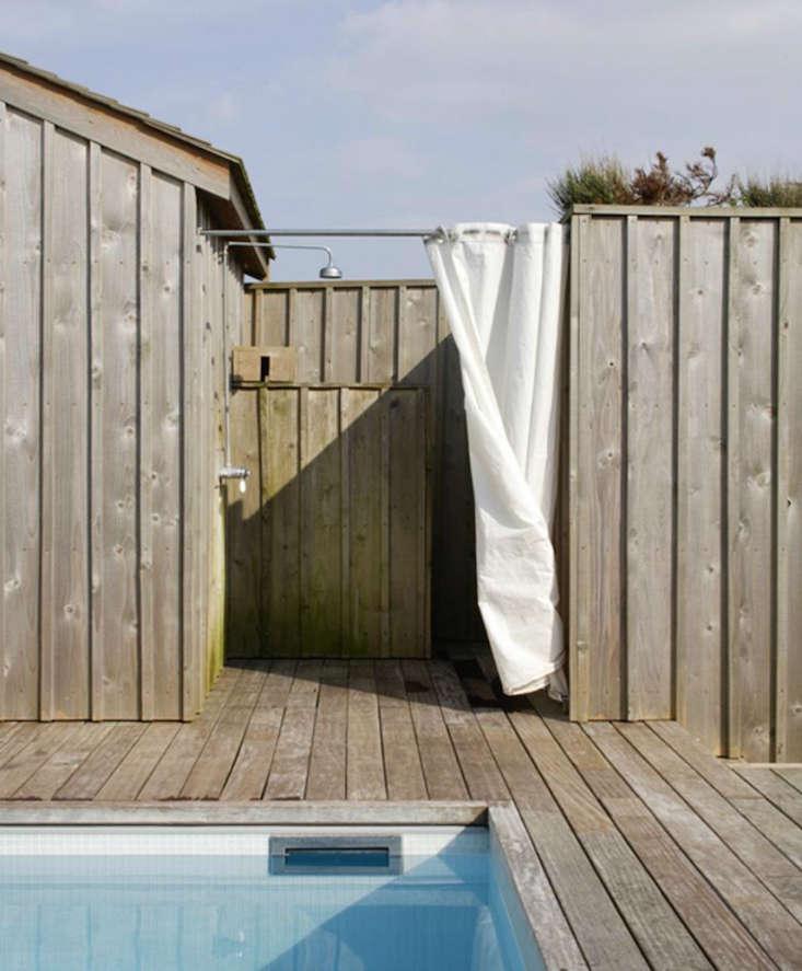 scandinavian-outdoor-shower-remodelista