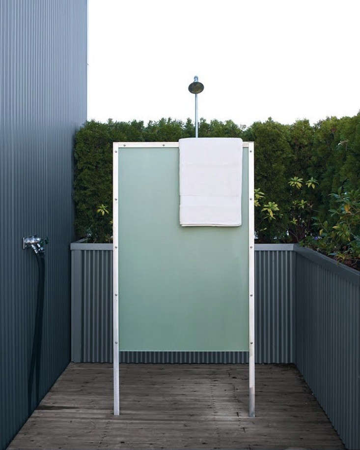 sky-ranch-house-outdoor-shower-remodelista