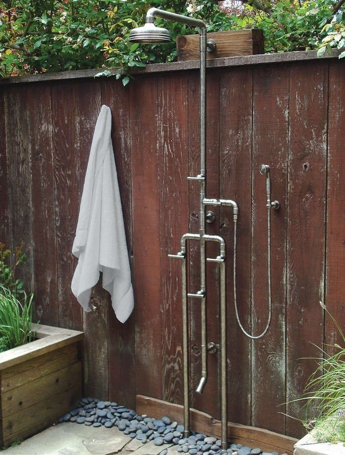 high low rugged outdoor shower remodelista. Black Bedroom Furniture Sets. Home Design Ideas