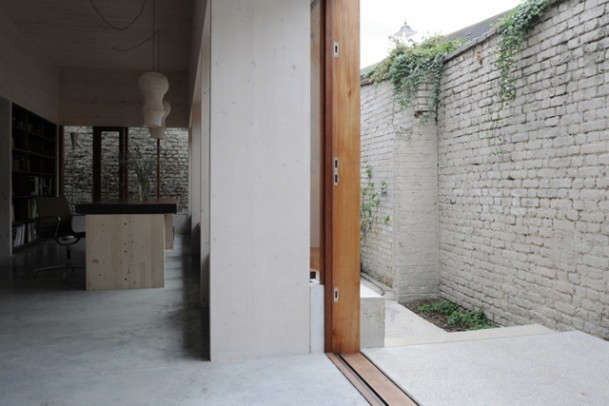 stange-courtyard-remodelista-10