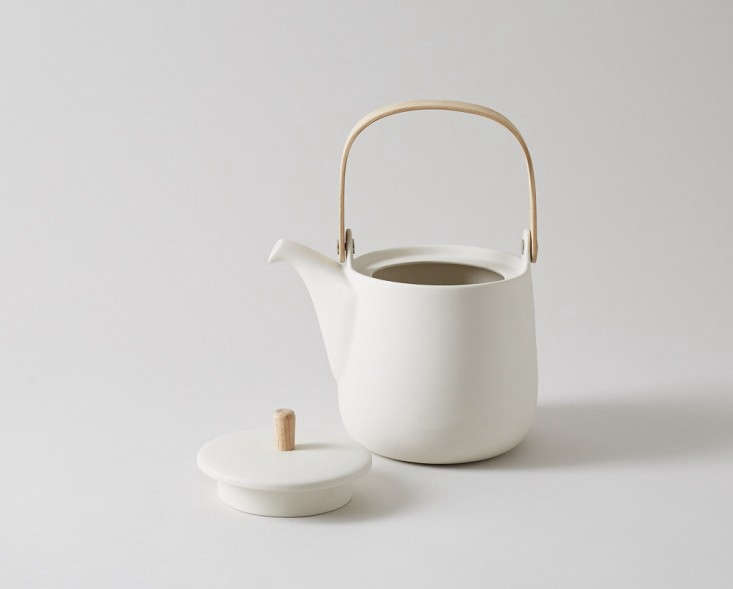 sue-pryke-teapot