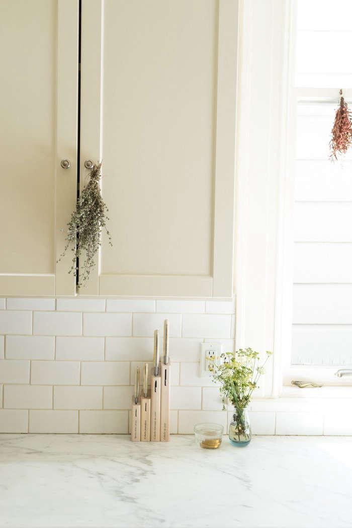 swanson-kitchen-700-window-remodelista