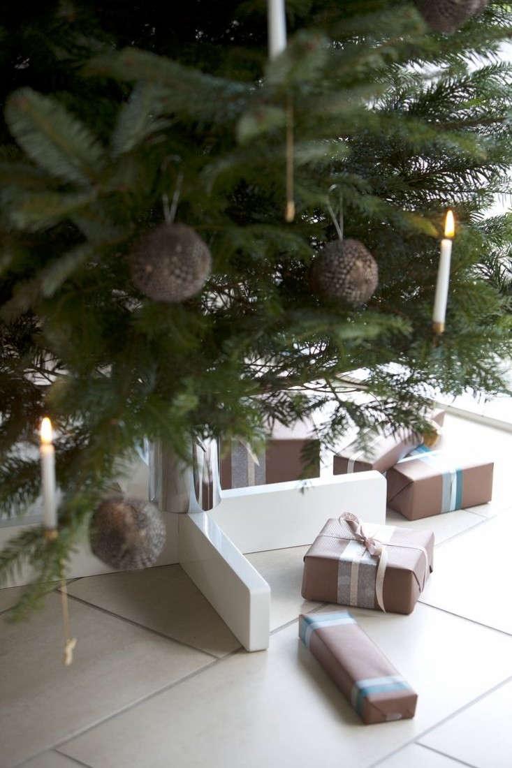 swedish-tree-stand-remodelista-1