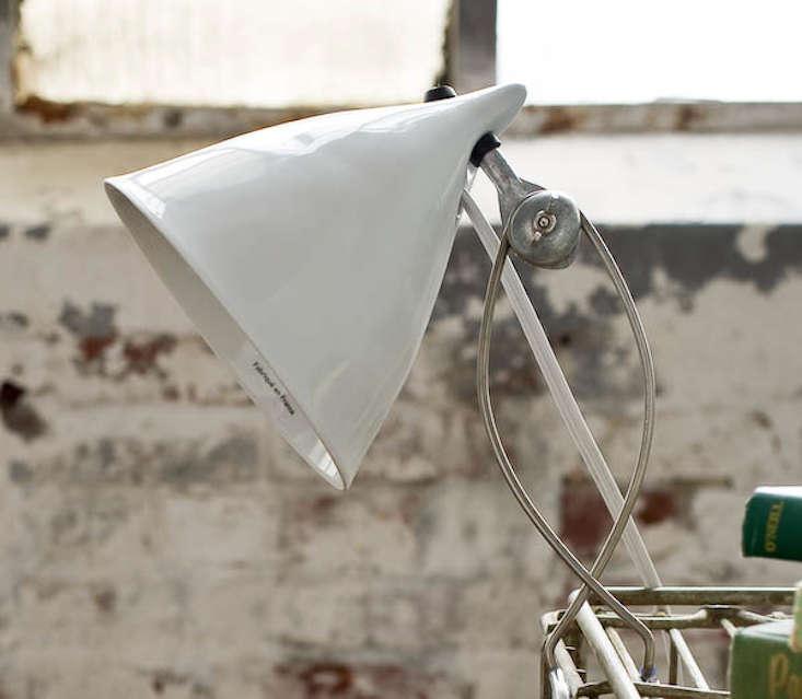 tse-tse-cornet-clip-lamp-remodelista