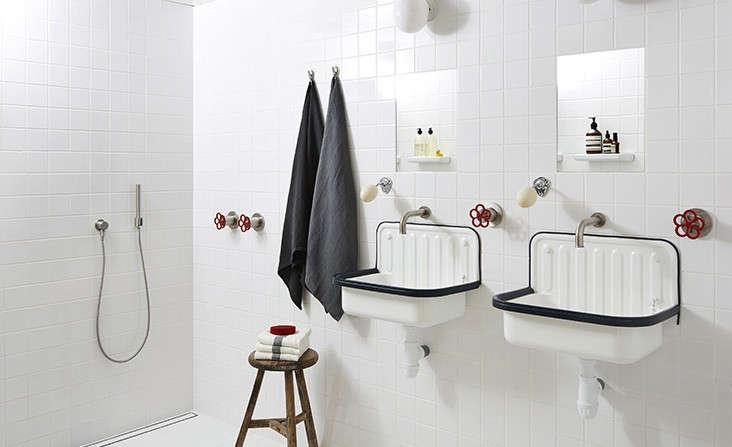 13 Noirish Black And White Bathrooms Remodelista