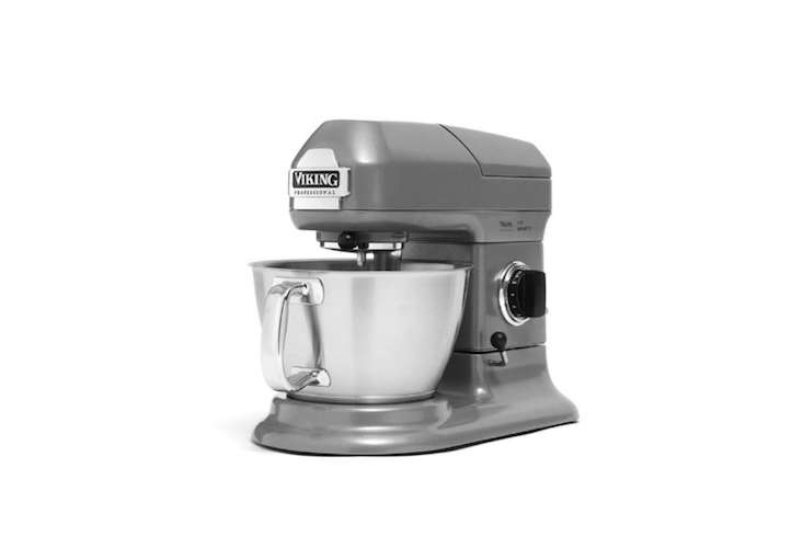 viking-professional-series-stainless-steel-gray-stand-mixer-remodelista