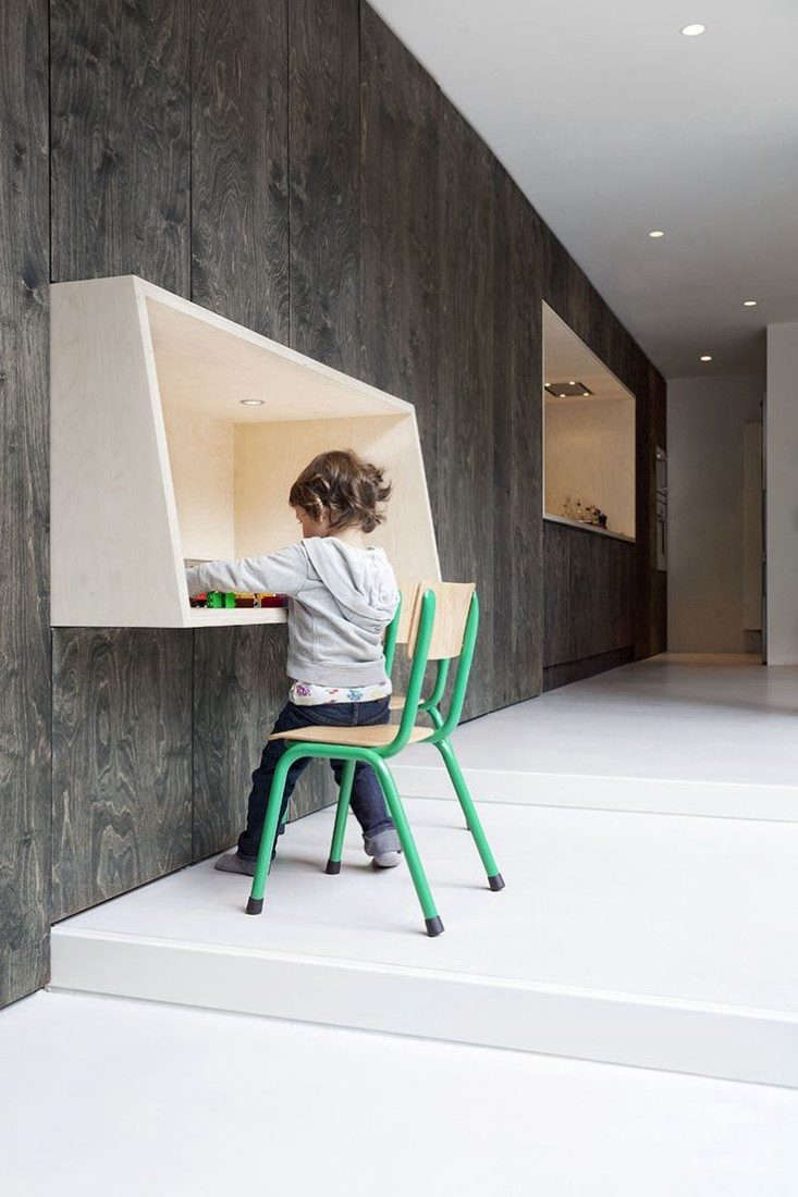 wall-mounted-desk-remodelista-green-chair