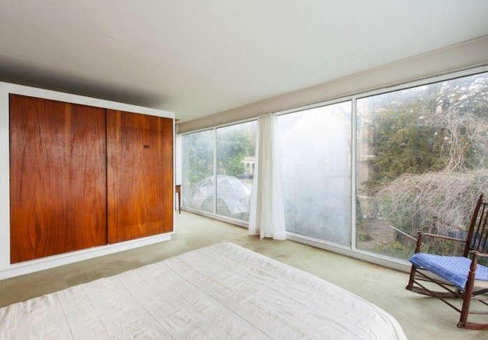 winter-house-bedroom