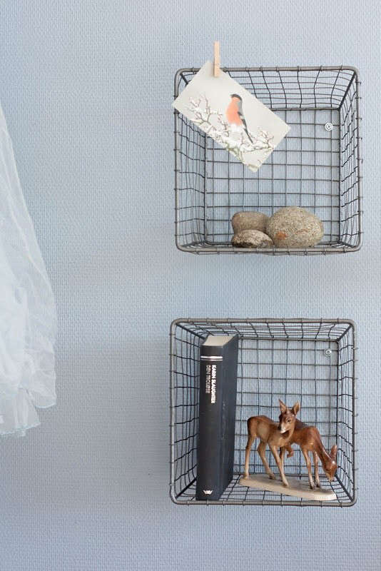 wire-basket-childrens-room