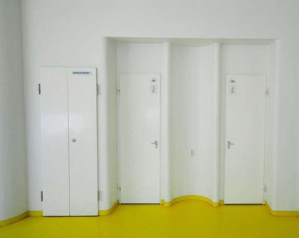 yellow-floor-aalto-remodelista-2