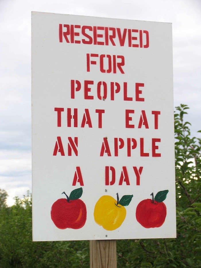 Apple-Sign-Great-lakes-gazette