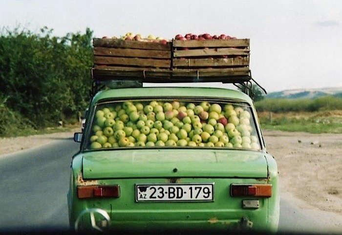 Car-Full-Of-Apples