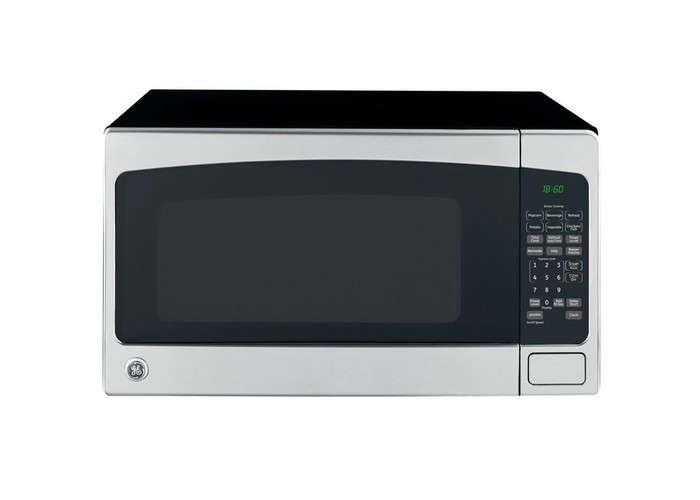 GE-countertop-microwave-black-gardenista