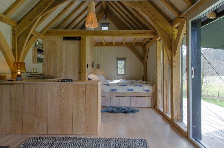 Out-of-the-Valley-Cabin-Devon-England-Gardenista-13