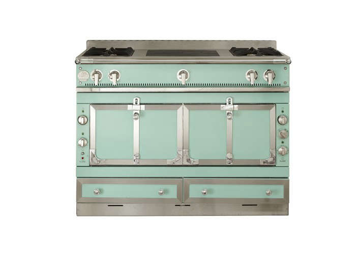 10 easy pieces colorful freestanding kitchen ranges remodelista. Black Bedroom Furniture Sets. Home Design Ideas