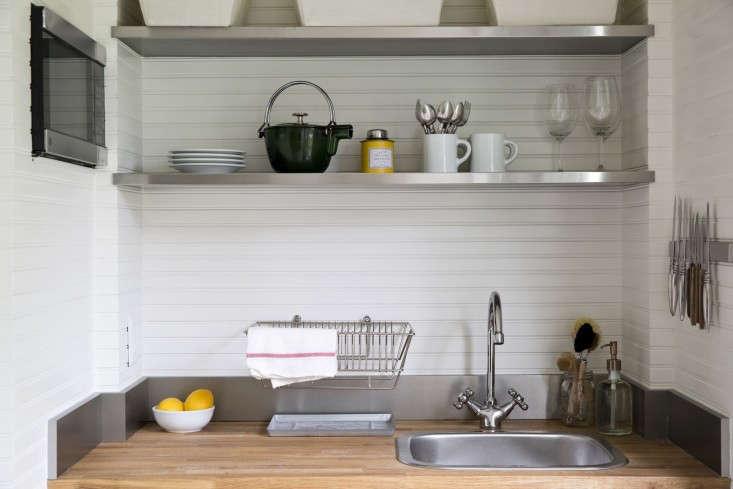 steal-this-look-grottage-kitchen-3-gardenista