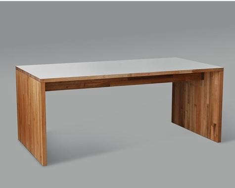 475_wood-table-at-design-public