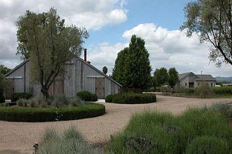barbaras-barn-exterior-2