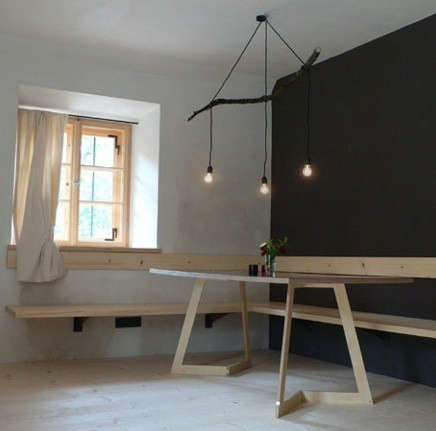 berge-dining-table