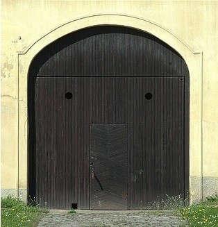 black-door-from-france-2