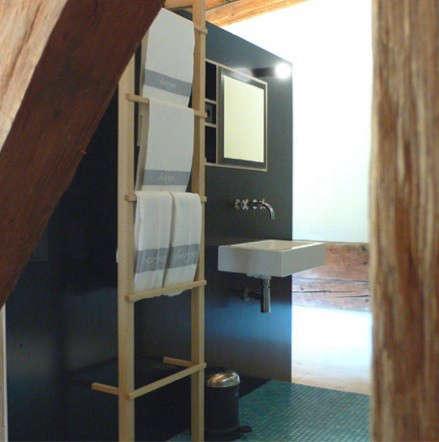 black-ladder-bathroom-berge