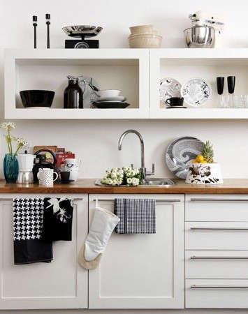 black-white-kitchen-katie-sellers-stylist