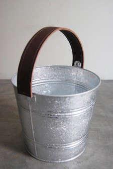 casa-midy-brown-leather-bucket