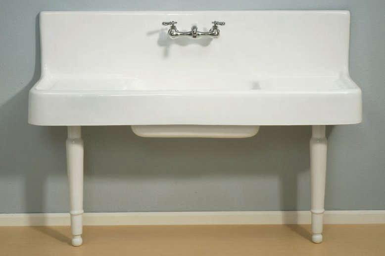clarion farmhouse drainboard sink on legs