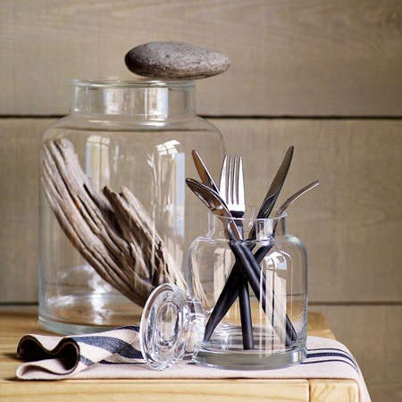 clear-glass-jugs-2
