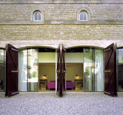 cowley-manor-courtyard
