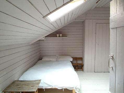 cumberbatch-bedroom-2