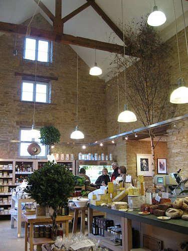 daylesford-organic-interior-barn