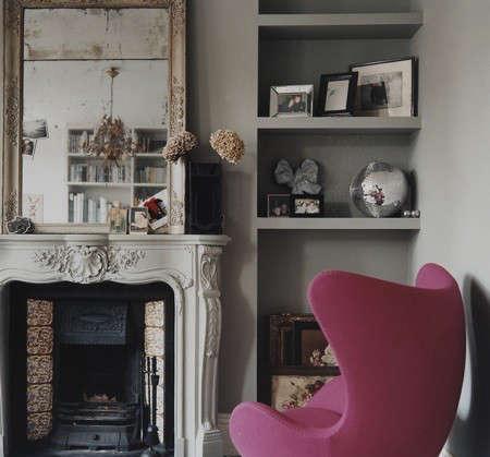 dylan-thomas-pink-chair