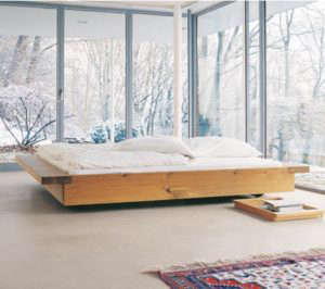 e15-bed-with-tray.jpg
