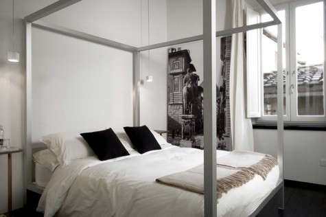 floroom-four-poster-bed