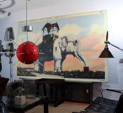 great-stuff-interior-red-lamp