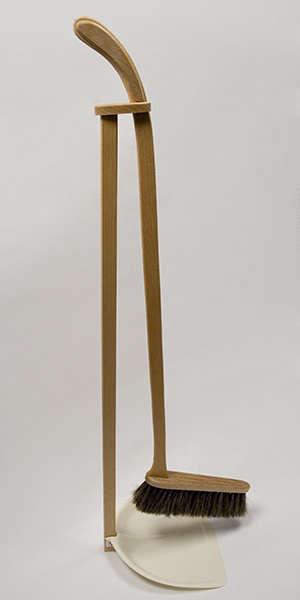 Standing Height Dustpan And Broom Remodelista