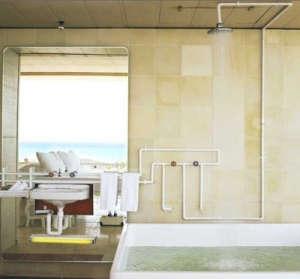 Hotel Basico Shower