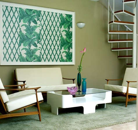 hotel-home-lounge-with-green-art