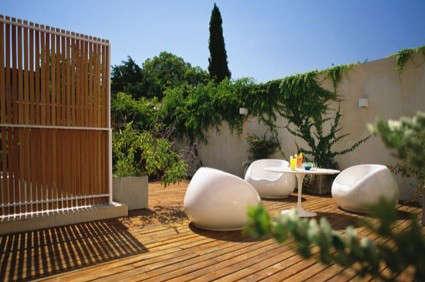 hotel-home-patio-white