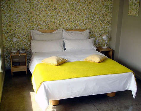 hotel-home-yellow-throw